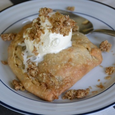 https://sallycooks.com/2014/03/26/apple-and-blueberry-hand-pies/