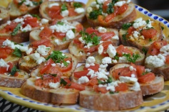 https://sallycooks.com/2014/05/14/tomato-crostini-with-basil-and-parsley/