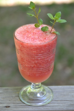 https://sallycooks.com/2014/07/01/frozen-watermelon-raspberry-lemonade/